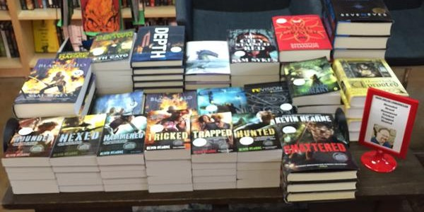 RT @poisonedpen: Do you like our new autographed S…